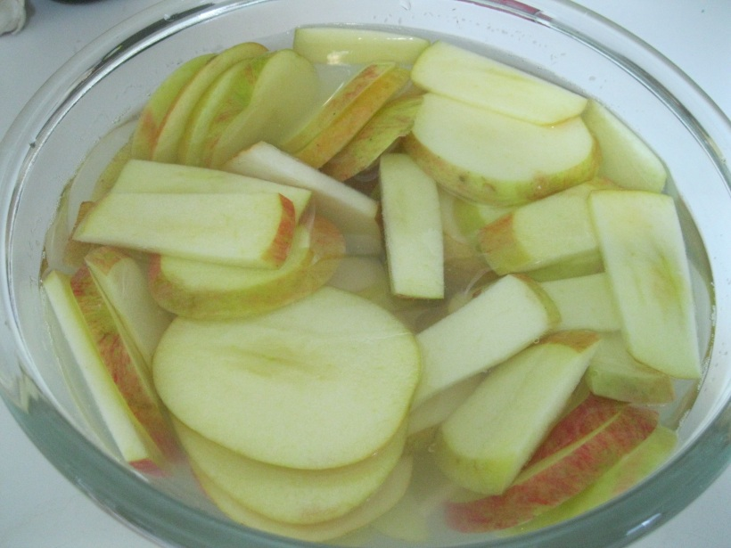 Soaking pears