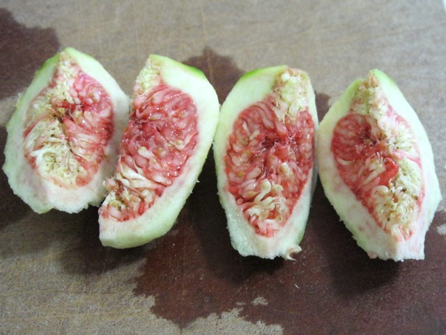 figs sliced